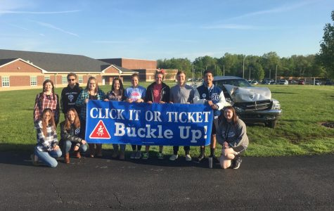SADD students promote positive choices during Prom Promise Week