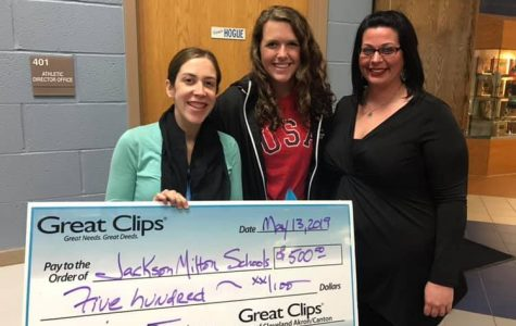"Mrs. Condon recognized with ""Most Inspiring Teacher"" award"