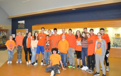 SADD students encourage Unity, Kindness, and Positive Choices